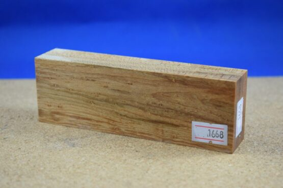 Stabilised Birdseye Maple Block * 1668