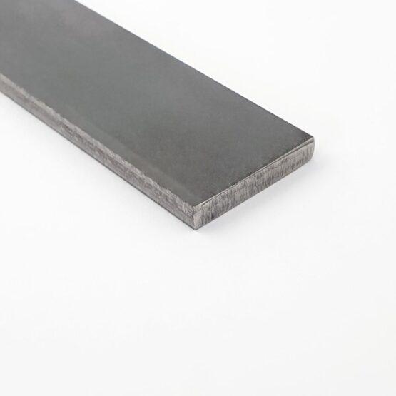 Takefu suminagashi laminated steel bar measuring 5.4 x 33 x 330 mm.
